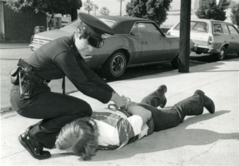 first female police officer first female police officers make history in la in 1972