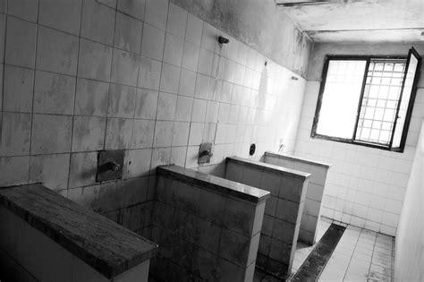 Prisoners Showering by Inside Carceri Exhibitions 2 0 Ijf17