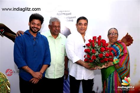 actor delhi ganesh photos kamal haasan s friendly gesture for his long time