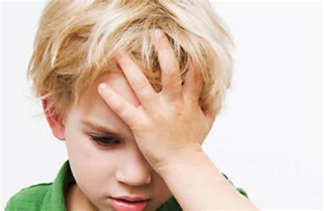 mal di testa febbre mal di testa nei bambini quando preoccuparsi www