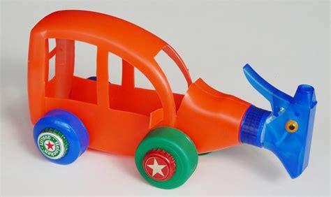 com se realiza un ecosistema con materiales reciclados c 243 mo hacer juguetes con material reciclado uncomo