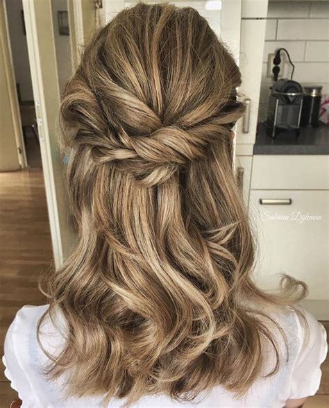 Wedding Hair Up Photos by 2018 Wedding Hair Trends The Ultimate Wedding Hair