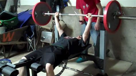 bench press 135 bench press 135 lbs 17 reps youtube
