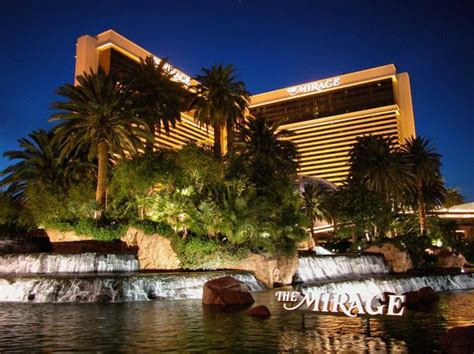 top  luxury las vegas hotels page