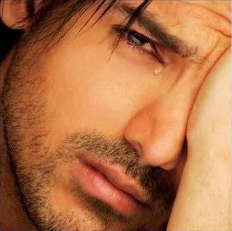 imagenes de ojos llorando de hombres im 225 genes de hombres llorando imagui