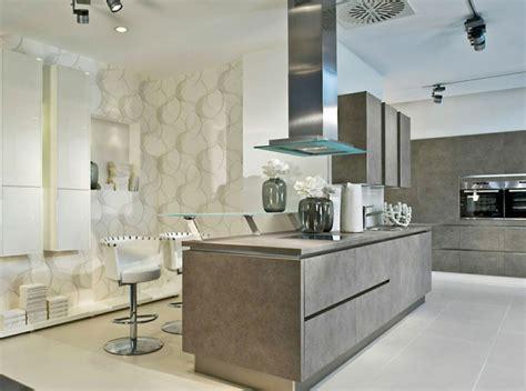 küchengestaltung mit tapeten k 252 chengestaltung und passende moderne materialien daf 252 r