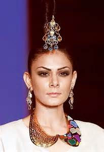 Oversized Chandelier Earrings India International Jewellery Week 2012 Here Are The Top