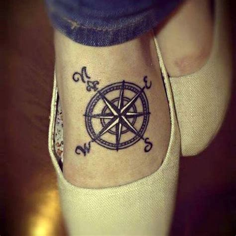tattoo en el pie peque 241 o tatuaje en el pie de una rosa n 225 utica tatuajes