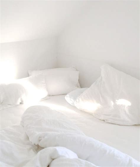 white bed sheets tumblr best 25 white bed sheets ideas on pinterest white