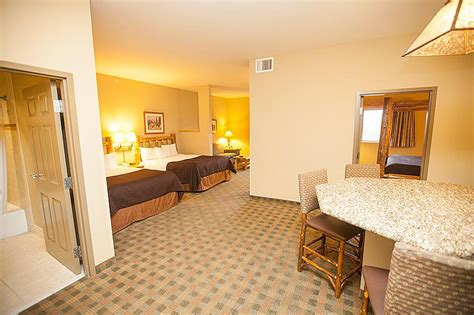 great wolf lodge hotel rooms indoor water park in wa grand mound greatwolf