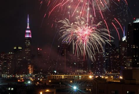 new year nyc fireworks 2015 macy s 4th of july fireworks new york city photos