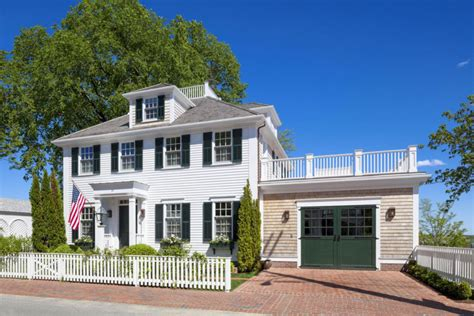 introduction to new england colonial architecture these 15 colonial style homes will have you feeling warm