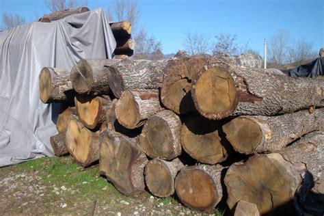 tavole legno vecchio legno vecchio tronchi travi e tavole utilizzati per i