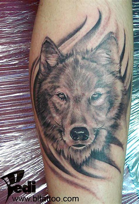tattoo arm wolf wolf tattoos