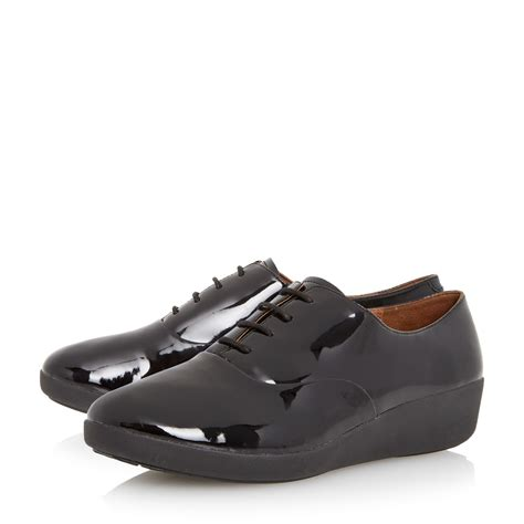 fitflop oxford shoes fitflop f pop oxford patent lace up oxford shoes in black