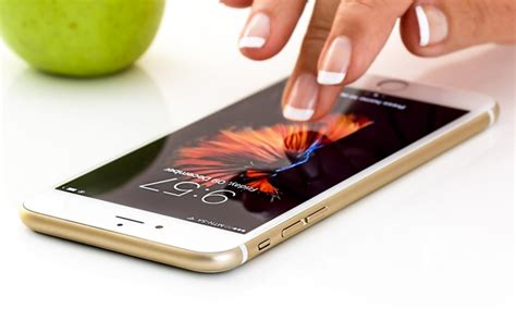 how to fix an iphone that keeps turning on and billionaire365