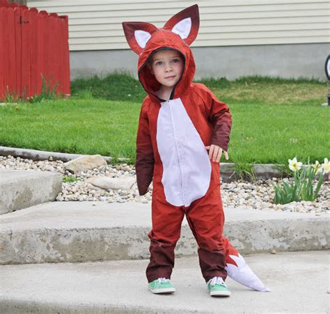 Handmade Costume - 30 cutest handmade costumes for lines across