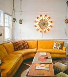 Canape D Angle Arrondi #1: canape-jaune-d-angle-arrondi-alinea-canape-moderne-meubles-d-interieur-table-en-bois.jpg
