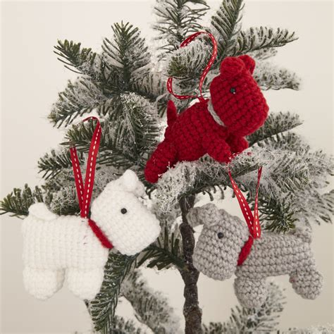knitted christmas decorations are a thing now mydaily uk