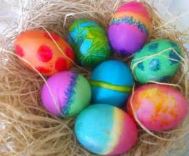 colorful easter eggs egg dyes which ones work which ones just make