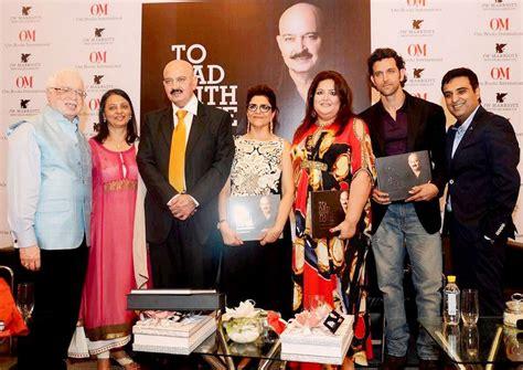 hrithik roshan gana hrithik roshan spends quality time with family at book