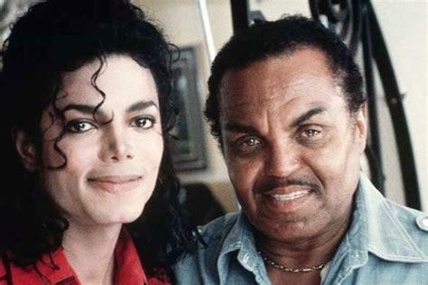 Michael Jackson S Parents Biography   michael on his dad