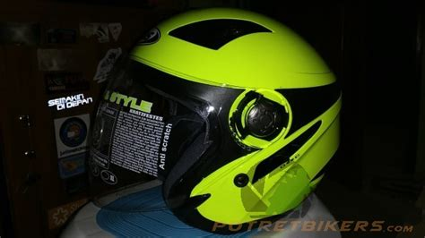 Helm Mds Reflector Solid Review Helm Mds Zarra Solid Yellow Fluo Lebih Cocok