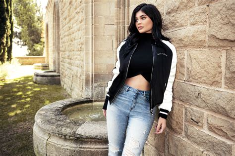kylie jenner collection holiday 800x1280 kylie jenner pacsun holiday collection nexus 7