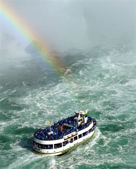 niagara falls boat pictures file maid of the mist pot o gold jpg wikipedia
