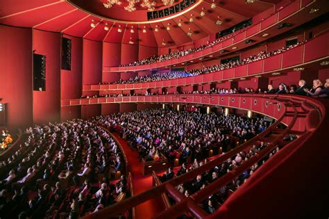 kennedy center opera house shen yun presents humanity s treasure in u s capital falun dafa minghui org