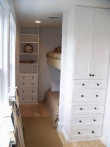 Bedroom Closet Designs For Small Spaces Excellent Small Bedroom Decorating Ideas To Make It Seems