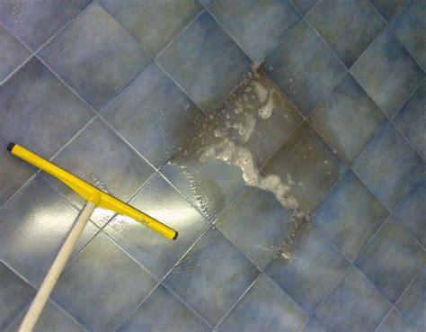 pulizia pavimenti pulizia pavimenti in ceramica bergamo pietranova