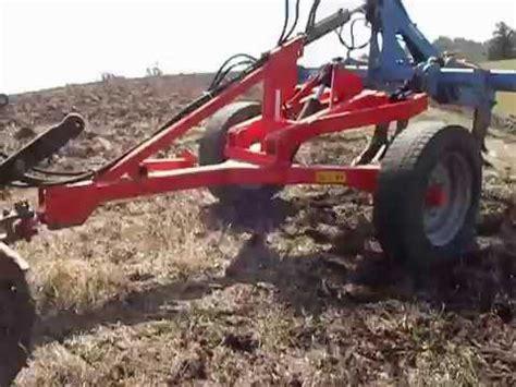 carrello porta attrezzi agricoli usato carrello porta attrezzi ripuntatore trainato