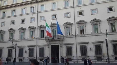 consiglio dei ministri italiano palazzo chigi a roma sede governo italiano
