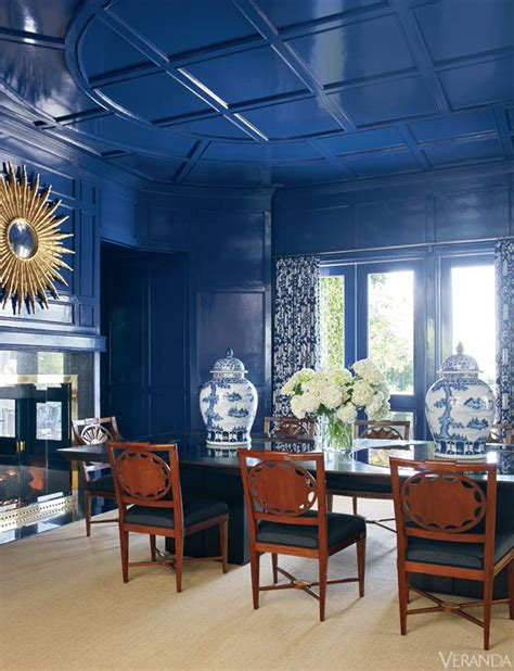 Blue Dining Room Walls by Lacquered And Glossy Walls That Reflect Light