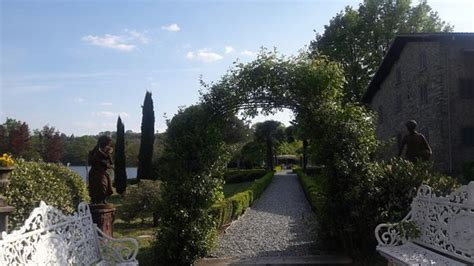 ingresso giardino ingresso giardino foto di tenuta sant andrea montorfano