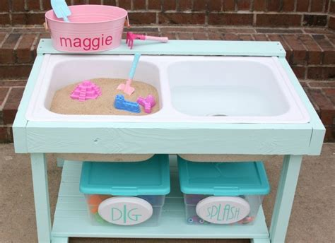 remodelaholic build  kids sand  water table