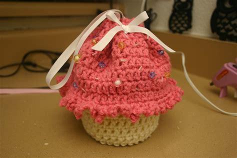crochet pattern cupcake purse 15 crochet purse patterns guide patterns