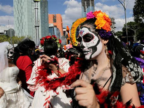 day of the dead mexico city day of the dead 2016 pictures cbs news