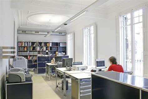 oficinas barcelona dise 241 o de oficina en barcelona un piso transformado