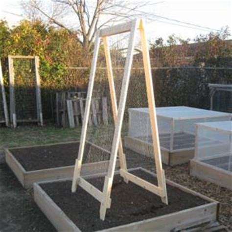 Natural And Thrifty In 365 208 Diy Vegetable Trellis