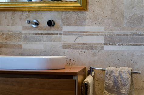 listelli ceramica bagno mosaico una decorazione per il bagno mosaici bagno by