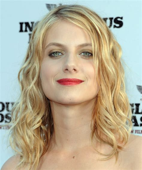 midway to haircut styles adding curls to your hair the secret to get enigmatic waves