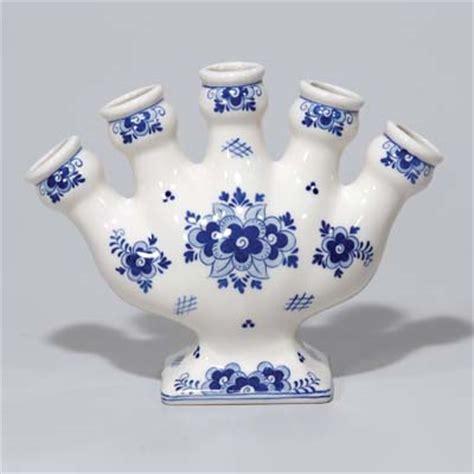 Delft Blue Tulip Vase by Delft Blue 5 Finger Tulip Vase Easy On The Budget Delftware