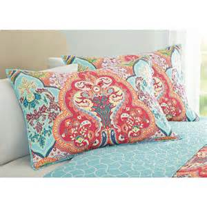 better homes and gardens quilts better homes and gardens quilt collection jeweled damask