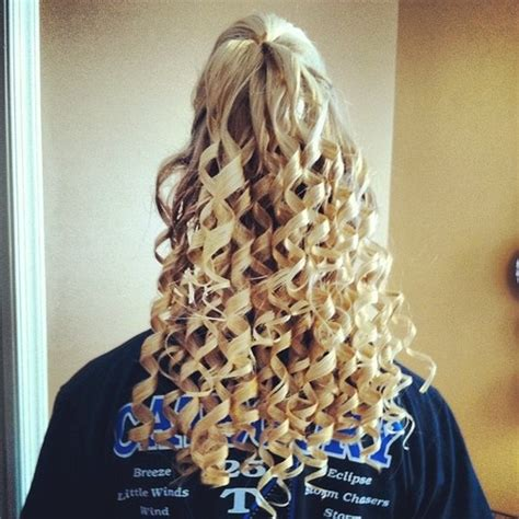 college cheerleading hairstyles 12 best images about cheer hair on pinterest her hair