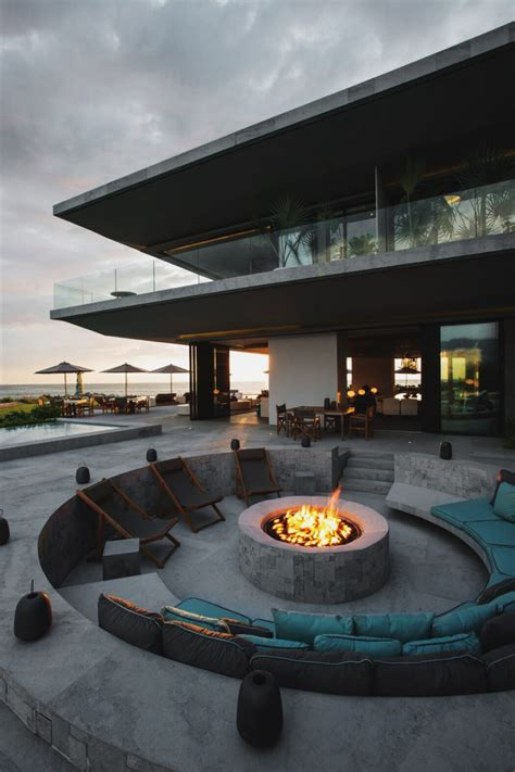 Luxury Pits turn up the heat with a stylish pit