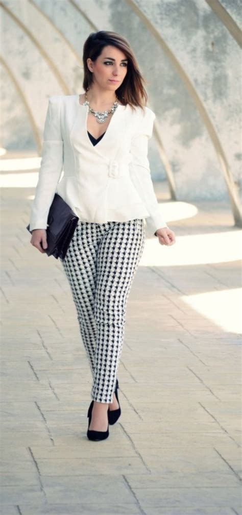 best casual clothes for women in yheir foties 45 casual work outfits for women in their 40s