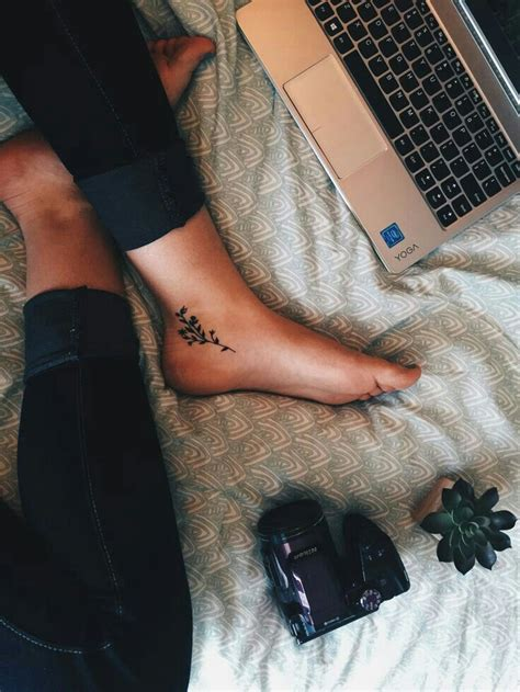 classy small tattoos best 25 tattoos ideas on dainty
