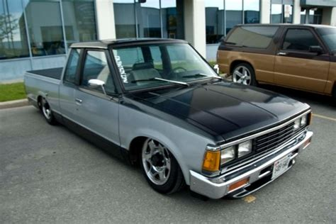 bagged nissan 720 theme tuesdays jdm minitrucks stance is everything